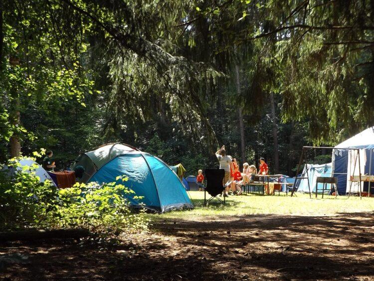 Viele Zelte auf Festival